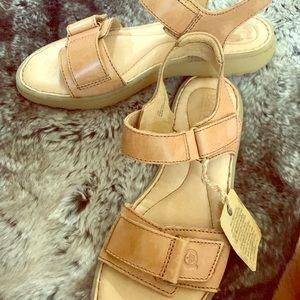 Born Leather Tan Sandals Size 7 Comfort Shoe